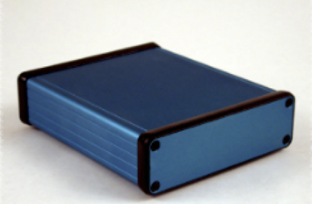Hammond Mfg. 1455L1201BU Hammond (4.72 x 4.06 x 1.22 Inch) Blue Rounded Rectangle Extruded Aluminum Enclosure with Aluminum End Plate (Product Image)